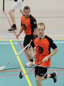 Montako maalia rightin puolen ratkaisijat Köpä Kuurne (takana) ja Ilari Suuronen iskevät tällä kaudella?