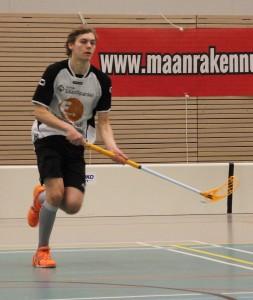 Herman Enkestä on kehittynyt hyvin liikkuva, kahteen suuntaan pelaava pallollinen puolustaja. Kaudella 2014-2015 Enke on saanut luottoa B-poikien lisäksi edustusjoukkueessa.